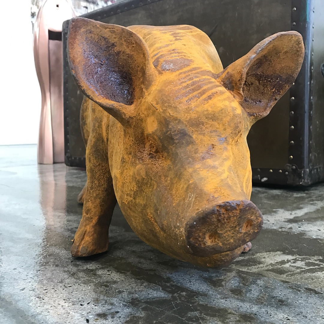 cast iron pig from barry barton