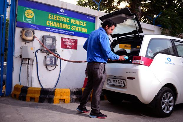 India's Double Rush for Electric Vehicles and Oil Refineries - By Deborah Gordon and Smriti Kumble