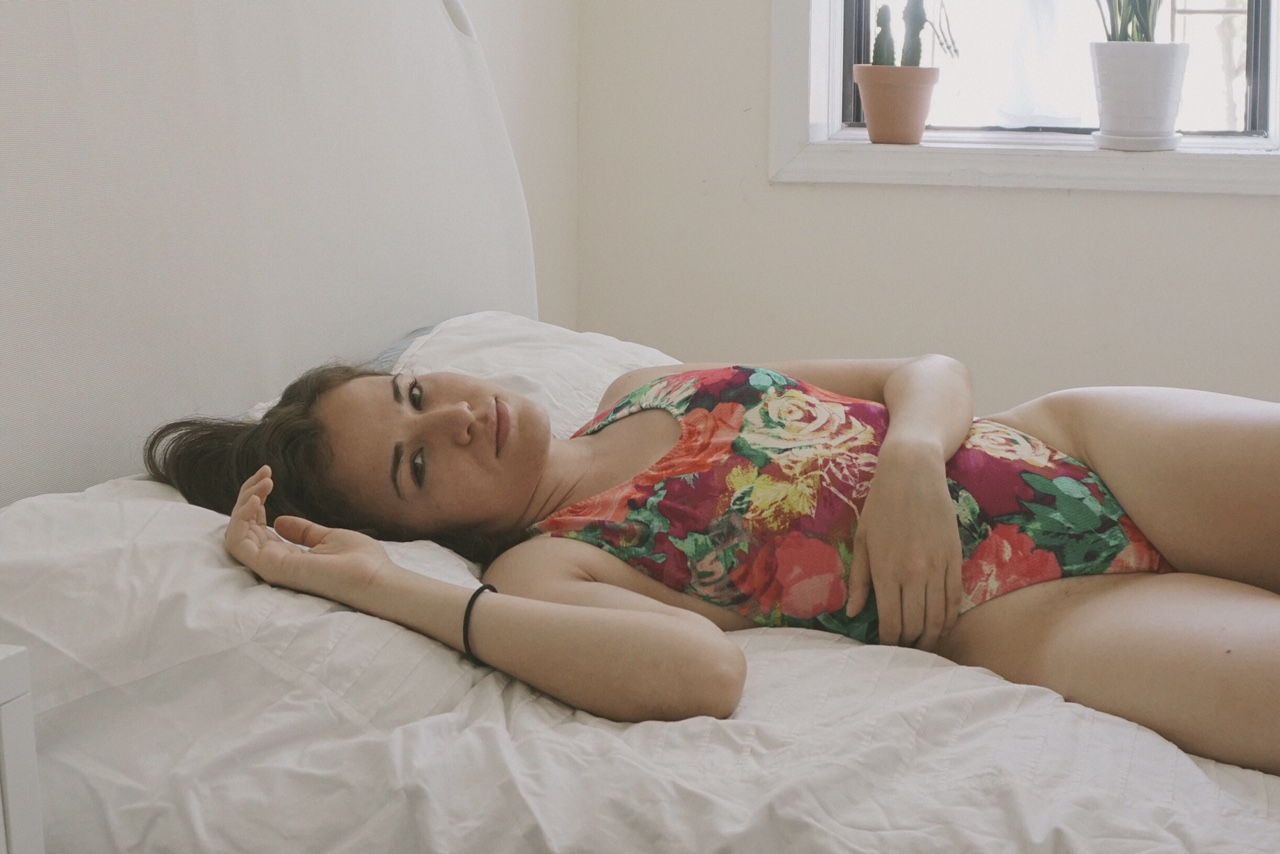 Muza+In+bed+with+Julianna.jpeg