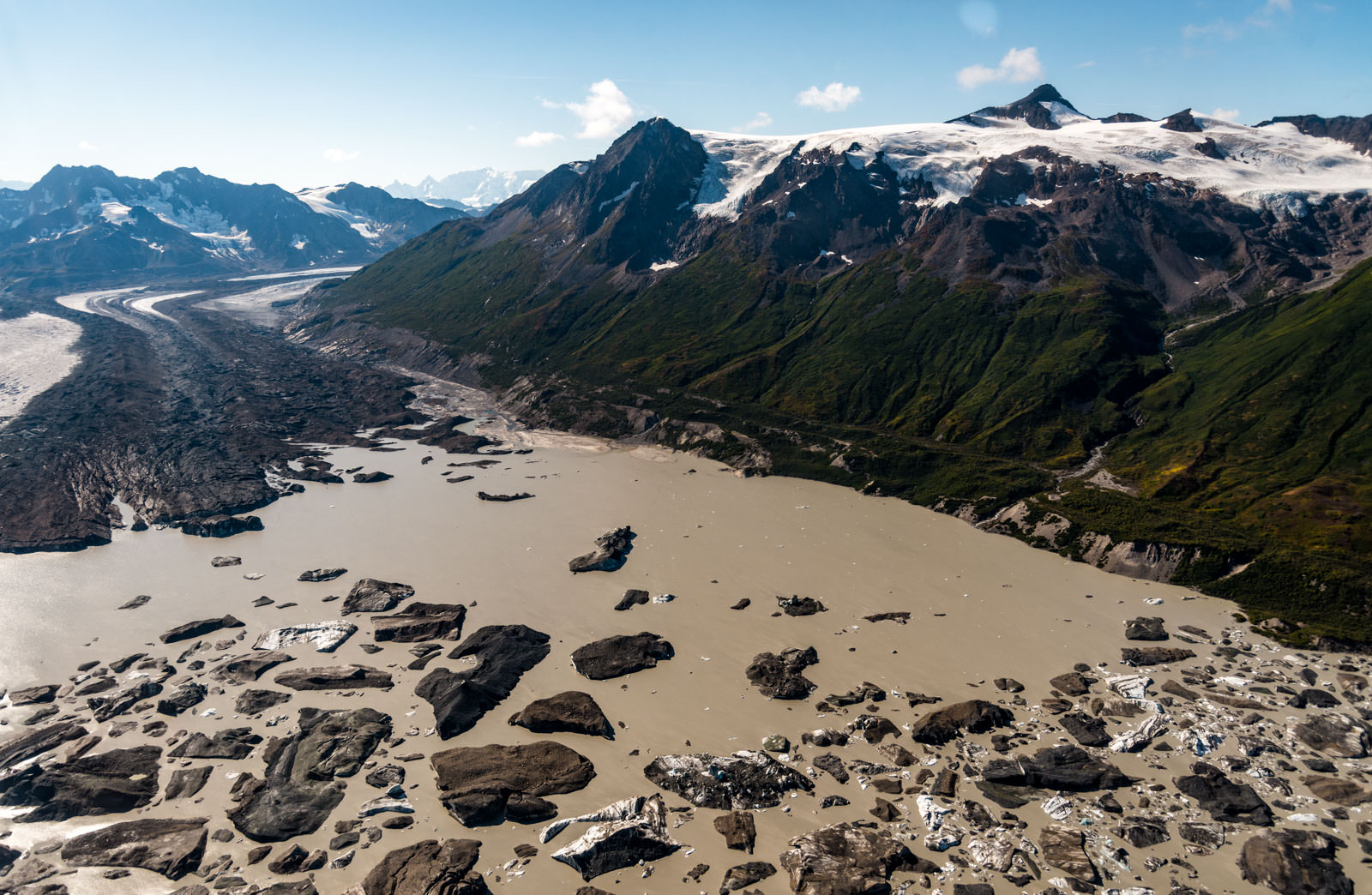 Bagley Icefield - University Range Tour: Iceburgs in Tana Lake