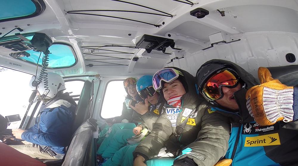 Heli-Skiing down undaaaa:)