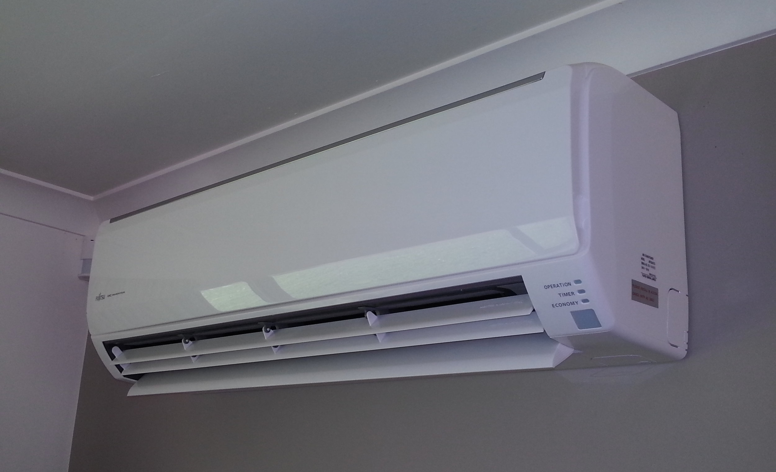 Heat Pumps - With such a large range of heat pumps available, HeatCo offer genuine and practical advice to deliver a high performing heat pump that will be both cost effective and efficient.