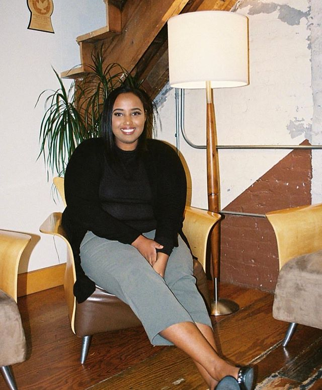 """Safy-Hallan Farah is a Twin Cities-based writer and editor (whose work can be read almost anywhere—#swiperight to get a peek at her first piece in NYT) and one of our panelists for Monday's #GoodCompanyPodcast live panel in Minneapolis. """"This year was yet another reminder (as if we needed one) that the divisive remnants of clan identity and the pain of war are still present. It also reminded me that Somali women will heal us,"""" she wrote in 2017. Link in bio for tickets to hear more of @safyhallanfarah's insight on 10/29 💛 #minneapolis #minnesota #podcast #mnpls"""