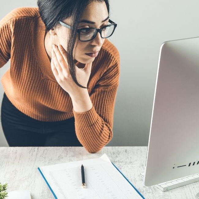 women-on-computer-SEO-Thumbnails.jpg