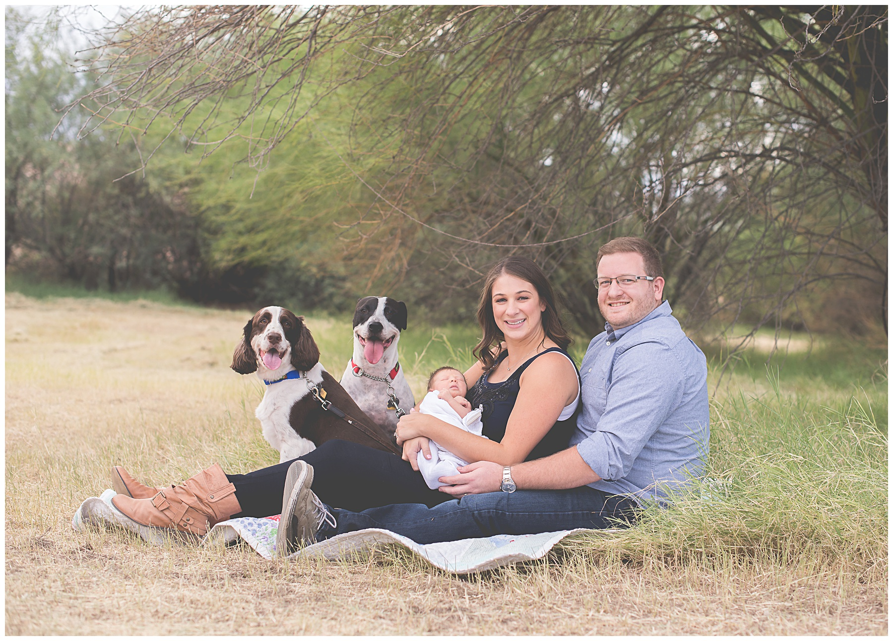 Phoenix Outdoor Lifestyle Newborn session with dogs | Sweetlife Photography