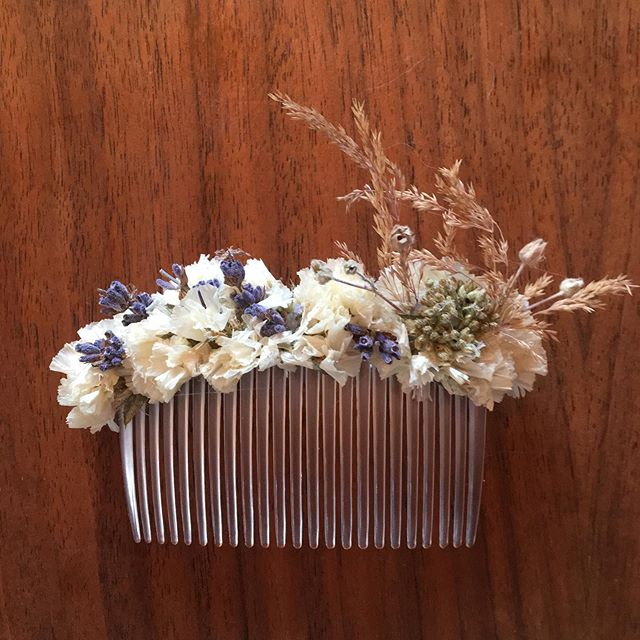 I've been making these dried floral hair combs. I have some listed on my Etsy. DM me if interested. More photos to come soon!