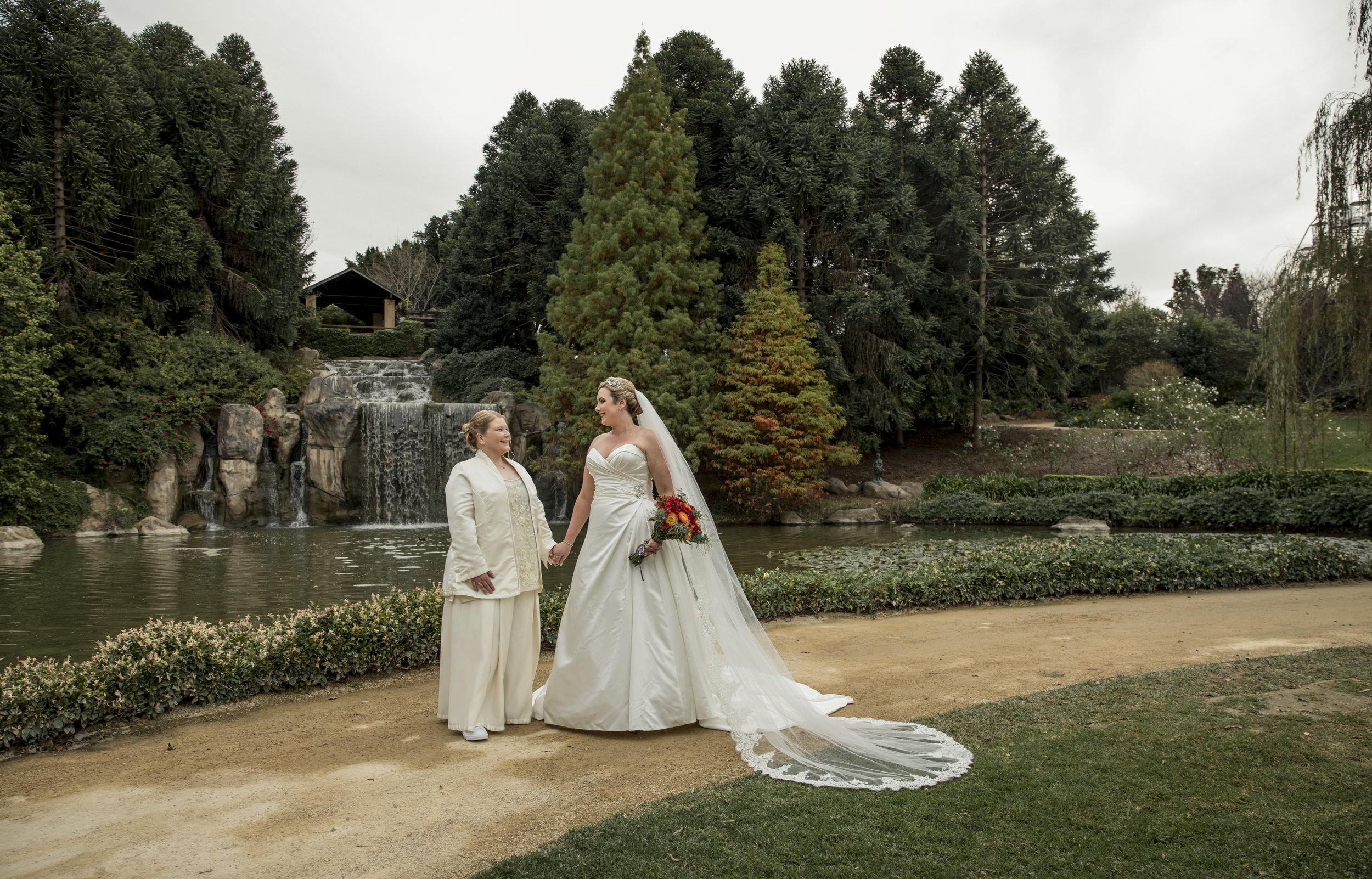 Cass & Jacinta - Hunter valley Gardens