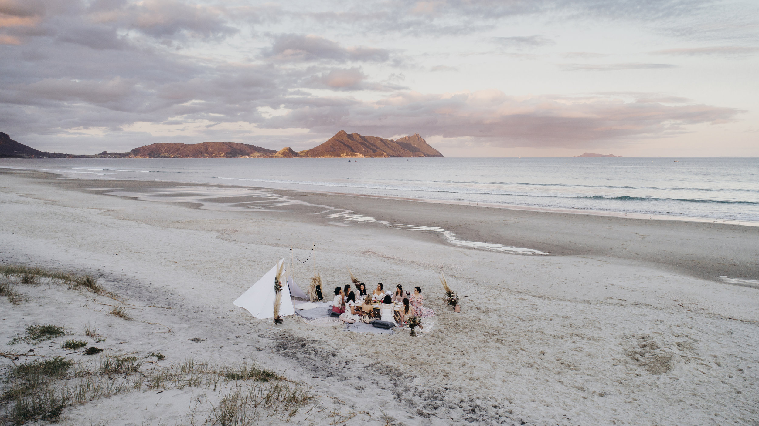 What is oh teepee styling? - Oh Teepee Styling is a luxury teepee picnic set up and styling business based in Whangarei and covers the wider regions of Northland