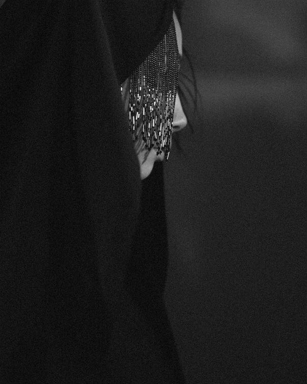 Yohji Yamamoto  SS20 shot by ©  Elise Toïdé  at Grand Palais,  Paris Fashion Week , courtesy of the artist