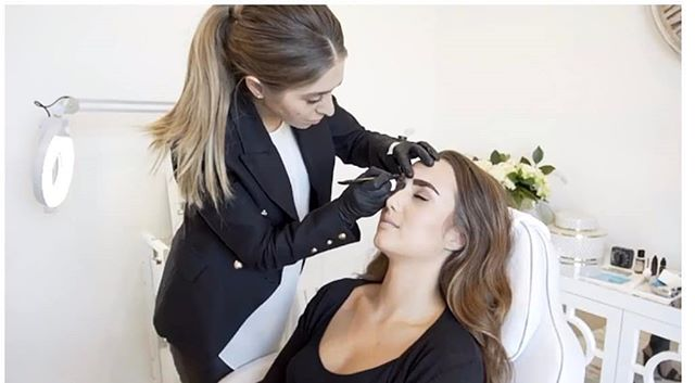 ✖️ MELBOURNE Micro-blading course✖️ When : 1st & 2nd NOVEMEBR 2018✨  Limited places remaining!  Due to popular demand Stella has opened a 2nd class for this date. It will be the final workshop for the year!! We want to keep this class intimate and only have limited spots remaining. ✔️Stella is a certified trainer and cosmetic tattooist ✔️Stella has trained internationally as well as nationally ✔️Stella's training program incorporates international techniques and applied them to suit Australian standards and guidelines ✔️Learn from one of the best in the industry ✔️Highly regarded micro-blading artists ✔️ No previous experience required ✔️ Professional tattoo kit included ✔️2 day intensive workshop ✔️6 months ongoing/ online support ✔️Demo and live practical ✔️ We offer payment plans via Afterpay/ and pay right. ✔️Course is  conducted in professional setting in the city CBD ✔️Certificate of completion in 3D Micro-blading techniques ✔️student discount rates via our online shop Cost $4,500 plus GST  Want to excel in the cosmetic tattoo industry? This is the course for you!  Send through your enquiry to 📧 info@bystella.com.au 📞1300 001 218 www.bystella.com.au  HURRY WHILE SPOTS ARE AVAILABLE  Registration for this course closes by end of business day on Friday 26th October!. #browboss #broweductaion #microblading
