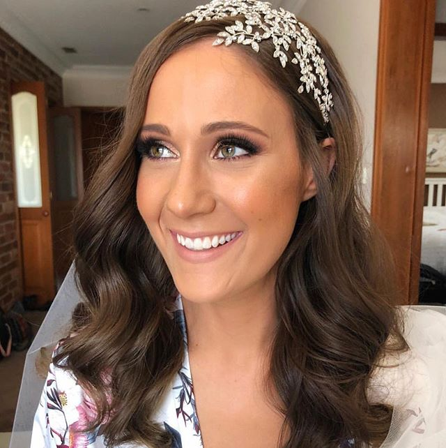 ✖️D I A N N A ✖️ Loved creating this beautiful hair look for Dianna's wedding one of my favourites to date !  #bride #sydneyweddings #sydneyhairstylist  For all 2019 /2020 bookings & Enquiries 📧 info@ystella.com.au 📞 1300 001 218 Www.bystella.com.au
