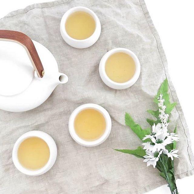 Simplicitea 〰️ . . . #teams #madeoftea #tea #tealover #tealovers #teapot #teaware #timefortea #teatime #tealife #teaparty #teadrinker #whitetea #chinesetea
