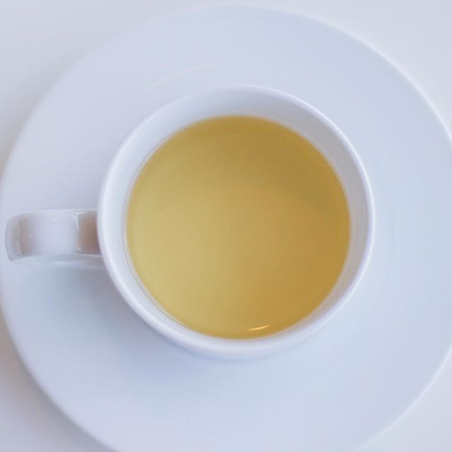 Here comes the sun ☀️ . . . #madeoftea #tea #tealover #tealovers #ilovetea #teaholic #timefortea #teatime #tealife #teaaddict #teaparty #teadrinker #cuppatea #sunnydays #sunsoutteasout