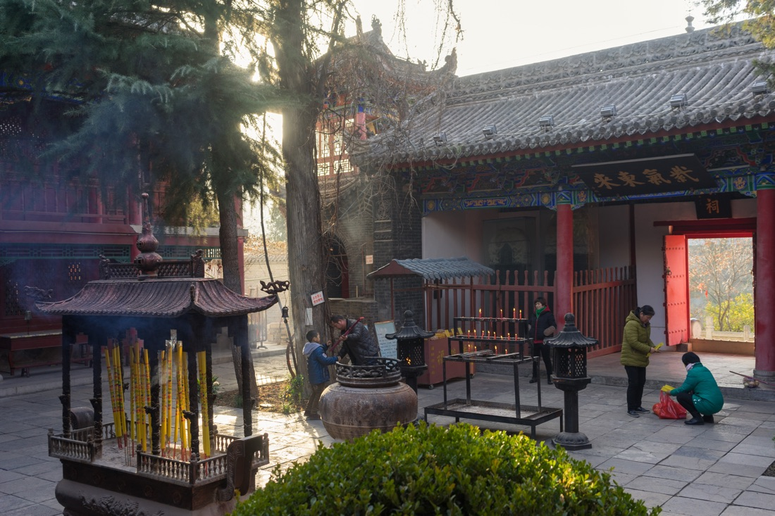 January 12, 2017 - Tayu village, Shaanxi (China). Devotees burn incense sticks inside the courtyard of one the temple part of the Louguantai's complex. © Thomas Cristofoletti / Ruom for Sixthtone