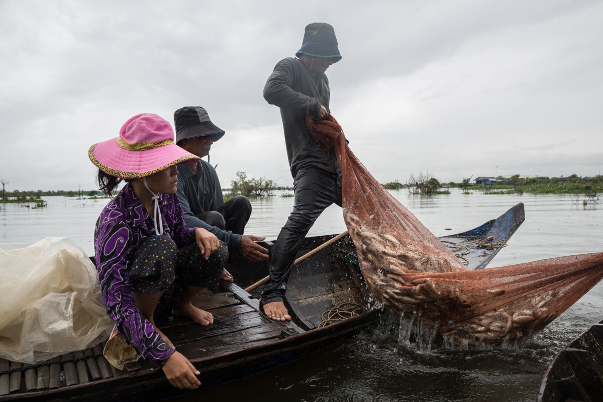 Nov 22, 2016 - Kampong Loung, Cambodia. Fishermen use illegal methods to harvest their catch. © Nicolas Axelrod / Ruom