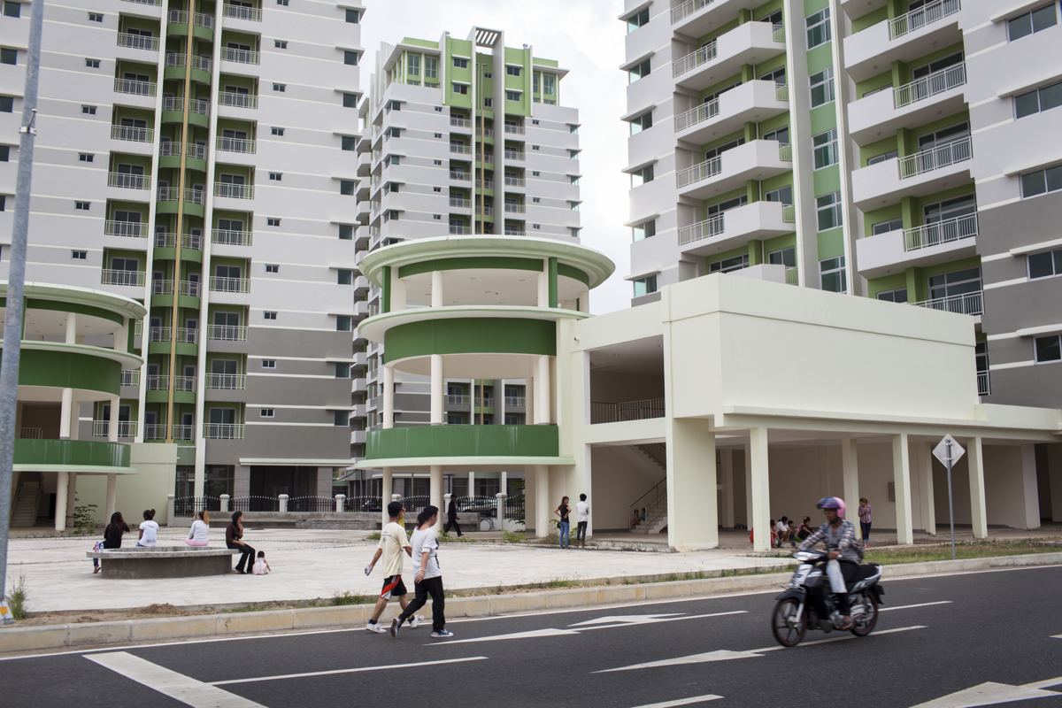 July 27, 2012 - Phnom Penh, Cambodia. New residential apartments in Camko City, Cambodia's first gated community. © Nicolas Axelrod / Ruom