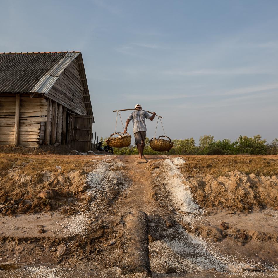 March 02, 2015 - Kampot, Cambodia. Salt fields. © Nicolas Axelrod / Ruom