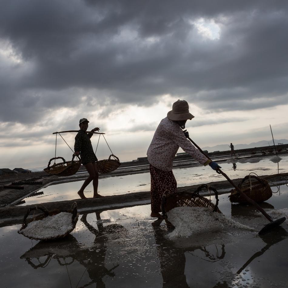 March 03, 2015 - Kampot, Cambodia. Salt fields. © Nicolas Axelrod / Ruom