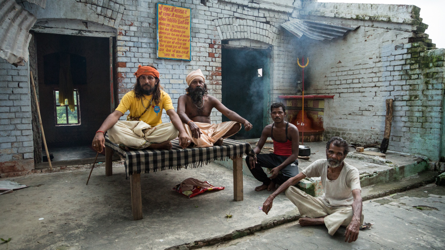 July 21, 2016 - Bareilly, India. Sadu's and temple guardians posse for a portrait. © Nicolas Axelrod / Ruom
