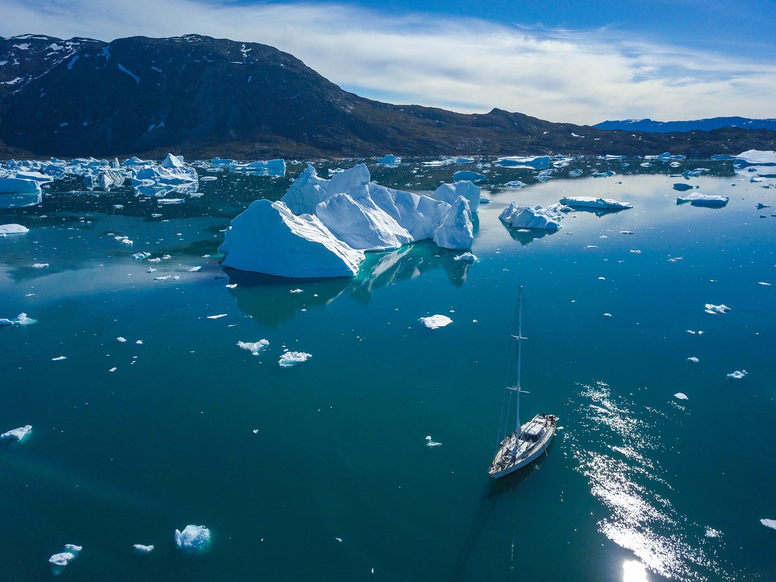 Ilulissat Icefjord, Disko Island & the Uummannaq Fjords in Summer - COLOSSAL ICEBERGS UNDER THE MIDNIGHT SUN