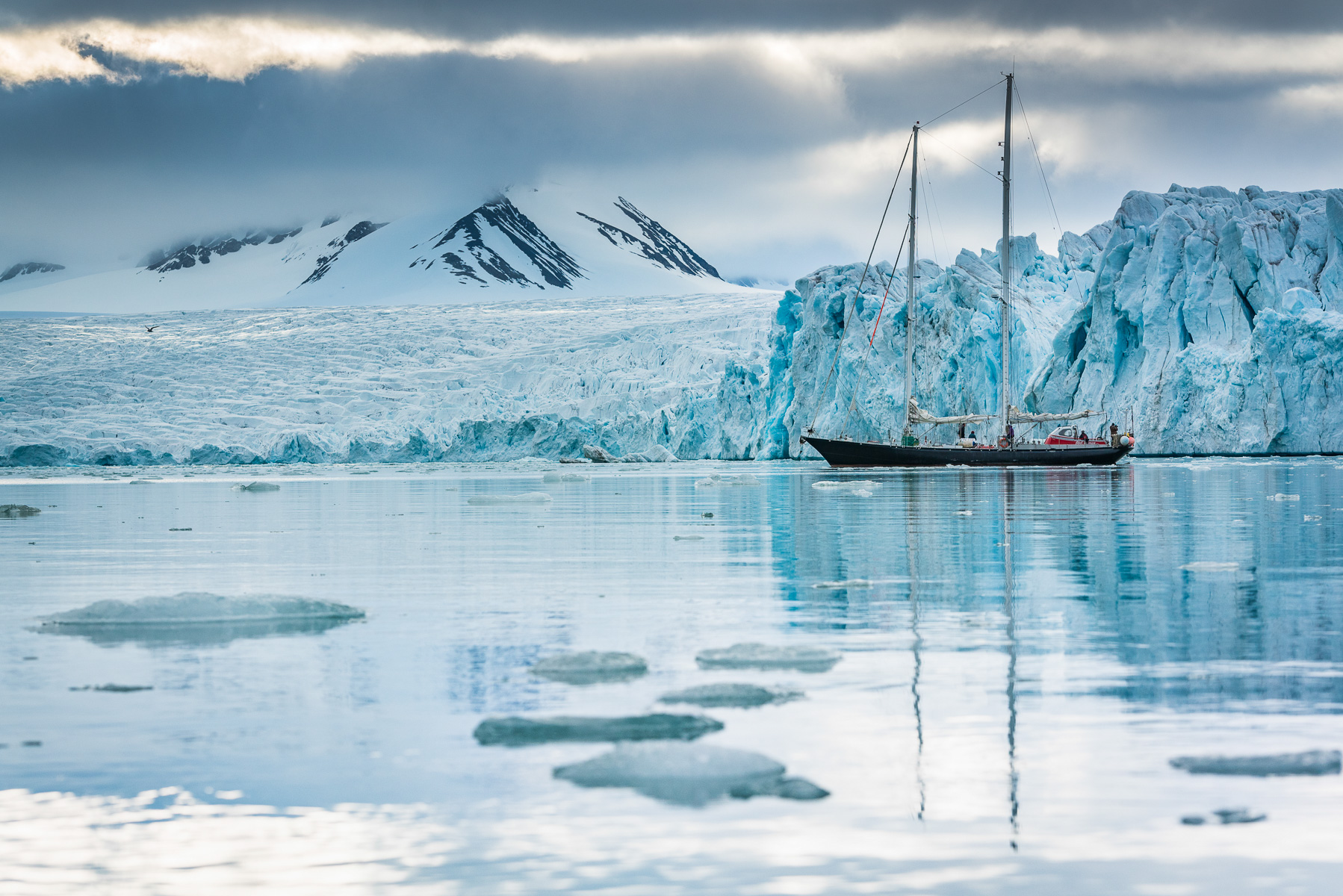 Sailing the icy fjords of Spitsbergen