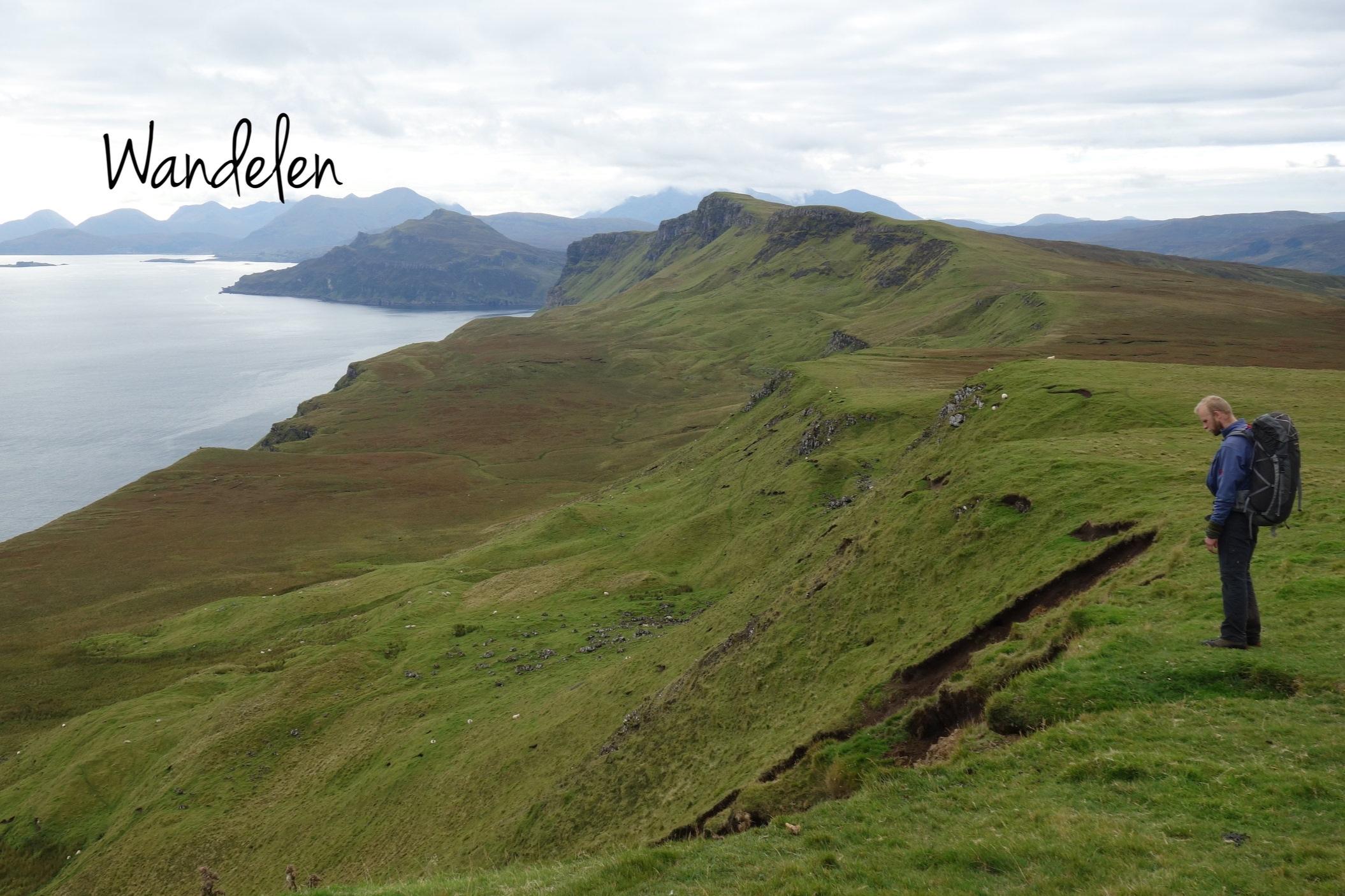 Als je een bergwandelgids loslaat op de topokaarten van de Hebriden, dan krijg je unieke trajecten voorgeschoteld op ongebaand terrein langs fenomenale kliffen.
