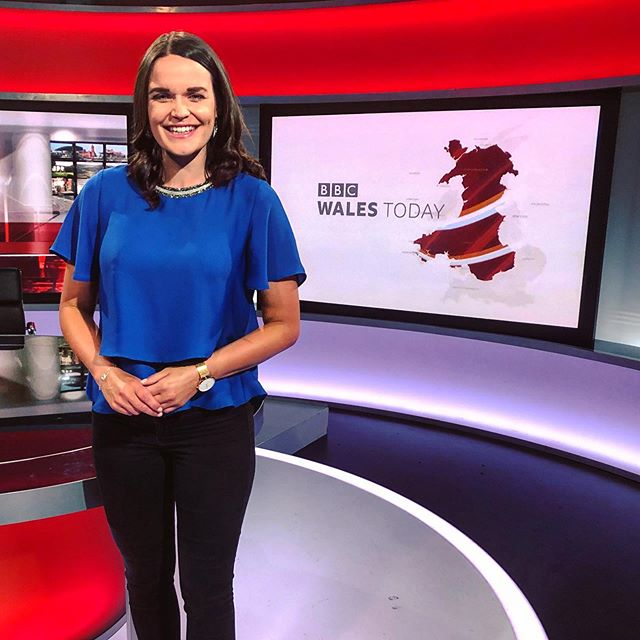 Flying visit to Cardiff for the 6.30pm @bbcwalesnews @bbccymruwales. Pleasure to chat all things @letourdefrance 💥🚴🏻‍♂️ 🇫🇷 • #tdf2019 #cycling #wales