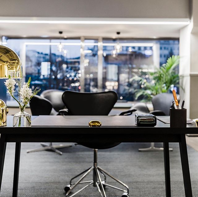 Fresh of the shelf!💥⚡️💥 Management consultancy firm Influence needed a new office that resonates with their brand values as well as attracting new employees. Concept and interior design by NOC. #interiordesign #officedesign #setdesign #bespokedesign #damnright👊🌭