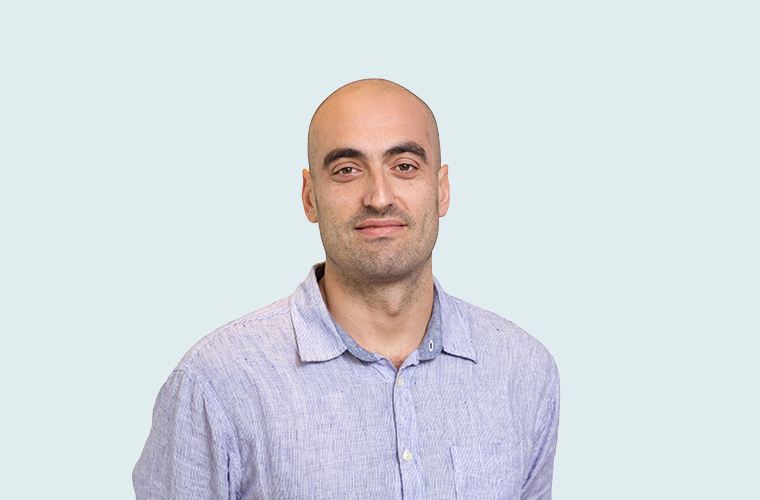 Darren Viñales BSc, MSc, FIA   Darren joined Robus' actuarial service team in 2018. Darren became a Fellow of the Institute of Actuaries in 2009 and has worked for the Gibraltar FSC as well as a range of insurers across life, health and non-life including holding the actuarial function in previous roles. (Gibraltar)