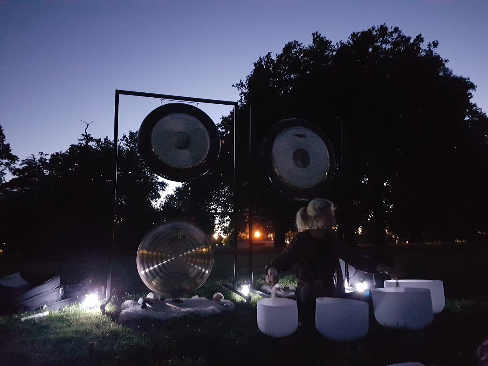 """Midsummer """"guerrilla"""" gong bath 2018"""