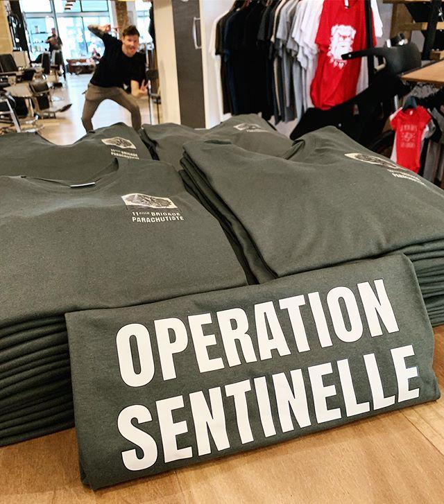 T-shirts réalisés pour la 11ème brigade parachutiste ! (Cherchez l'intrus.. ) #operationsentinelle #brigadeparachutiste #armeefrancaise #army #tshirtpersonnalisé #customteeshirts #bordeaux #toulouse #bordeauxmaville #marquage #impression #teeshirtpersonnalisé