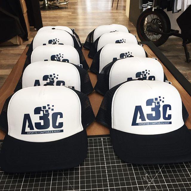 Nos casquettes personnalisées pour A3C, expertise comptable et audit. Un grand merci à vous tous 🙏🏻 #casquette #casquettepersonnalisee #custom #customclothing #impressiontextile #bordeaux #bordeauxmaville #expertcomptable #goodies