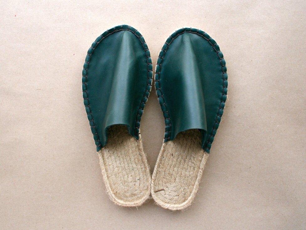 juta-shoes-green-leather-slippers_1_orig.jpg