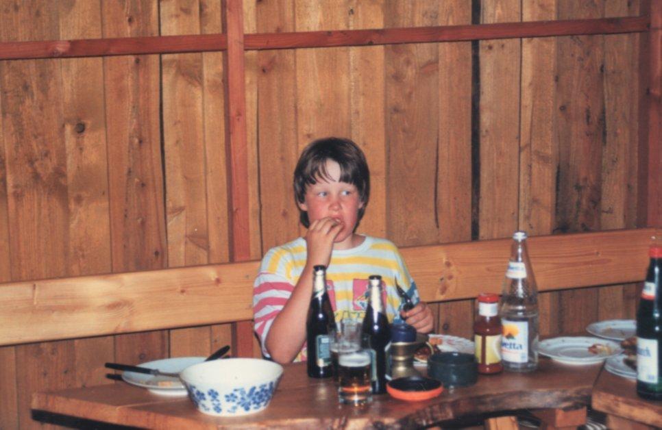 1991 - Sielbeck Sash beim Futtern.jpg