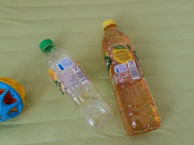 Links: Hans-Georg (eine Flasche), rechts: Horst (eine noch größere Flasche). Quelle: Sash