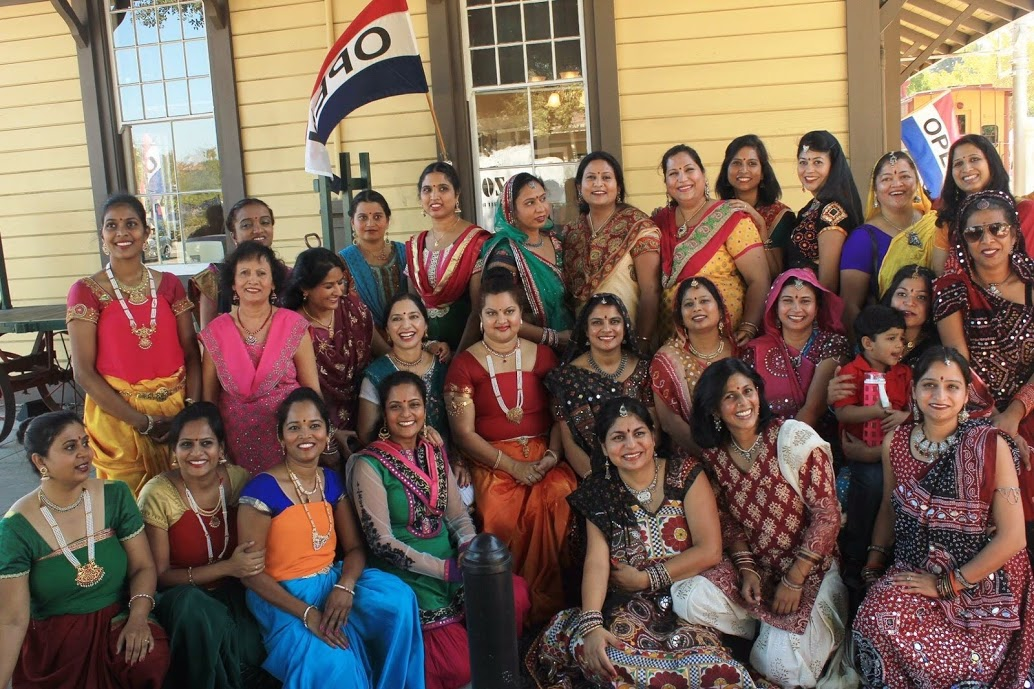 26th Sept, 2015- dance group- Danville famer market.JPG