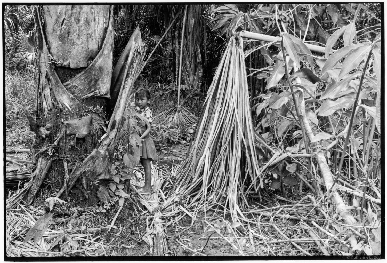 Playing near the Chakra , Quichua, Canelos, Pastaza, Oriente Ecuador, Amazonia, 1999