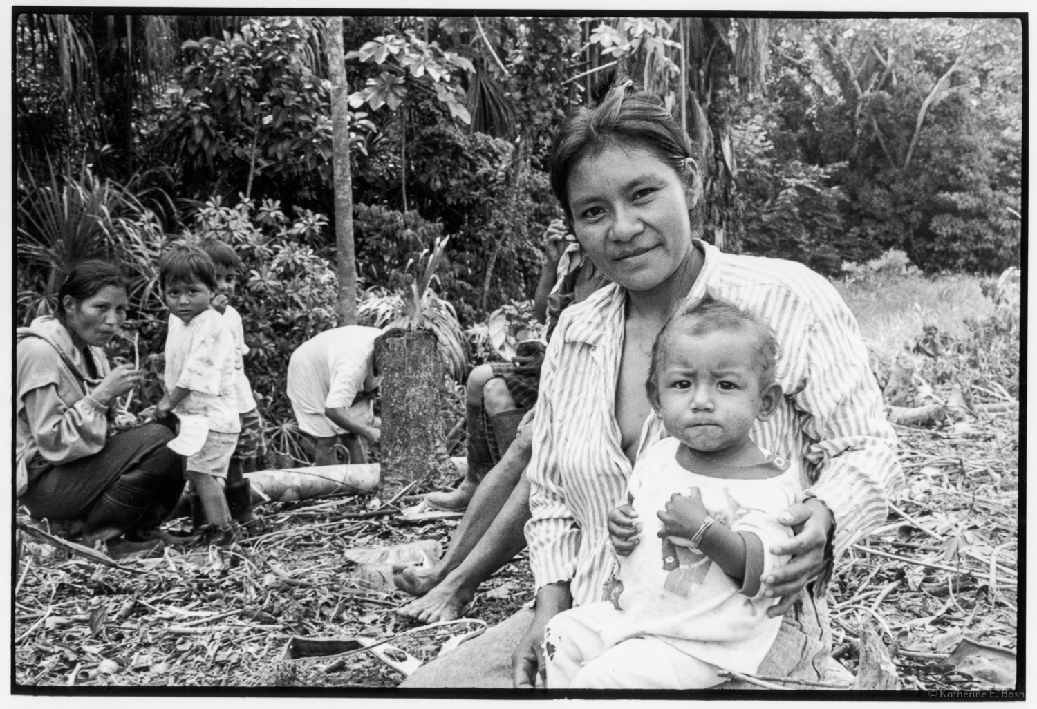 Mothers and Children in the Chakra, Shelter from the Rain , Quichua, Canelos, Pastaza, Oriente Ecuador, Amazonia, 1999
