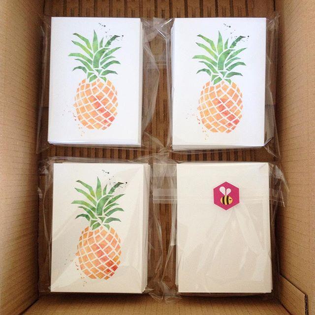 Une jolie commande de carte postale à retrouver dans @mafrenchbox de juillet ! C'est une chouette box 100% française avec de jolis créateurs à l'intérieur ! ❤️🎁