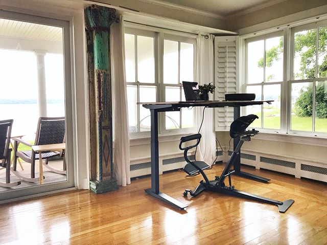Tired of how your back and body feel at the end of your workday?  Maybe it's time to rethink your home office setup. Pair the Fehn chair with an adjustable height standing desk to bring some movement, health, and energy back to your day! ⠀⠀⠀⠀⠀⠀⠀⠀⠀⠀⠀⠀⠀⠀⠀⠀ 18 month, 0% APR financing now available at www.thefehn.com! ⠀⠀⠀⠀⠀⠀⠀⠀⠀⠀⠀⠀⠀⠀