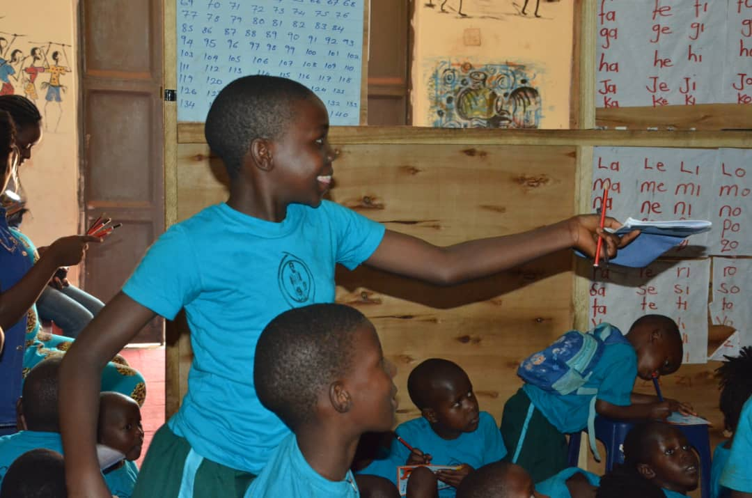 SameOmwanaAfrica-Teaching.jpg