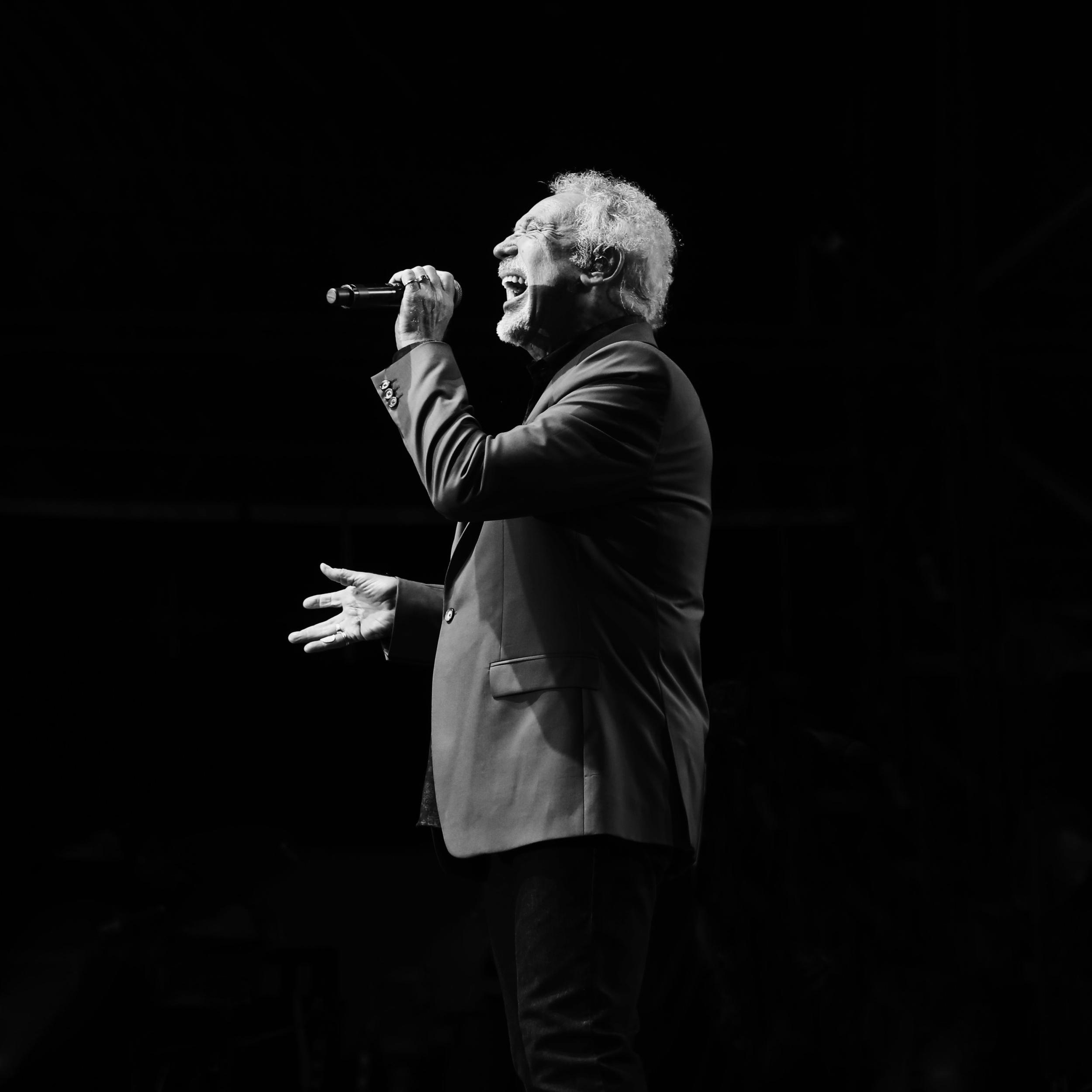Voice Live Show - Chris Dymond 2017.jpg