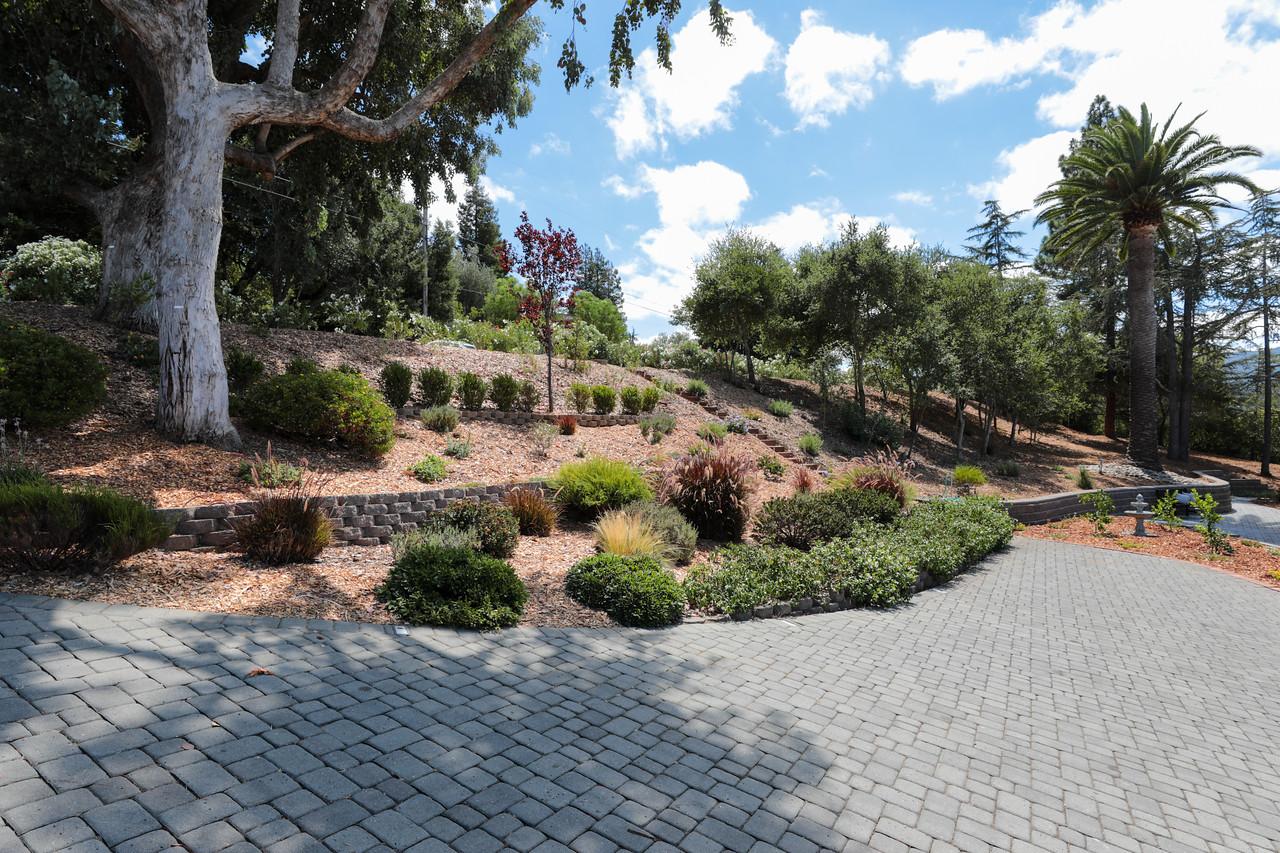 14433 Debell Rd Los Altos Hills Blu Skye Media-3087-X2.jpg