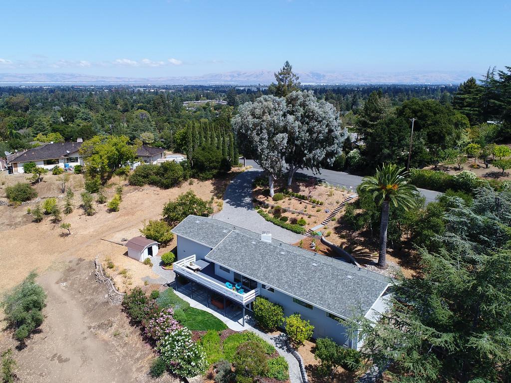 14433 Debell Rd Los Altos Hills Blu Skye Media-0012-XL.jpg