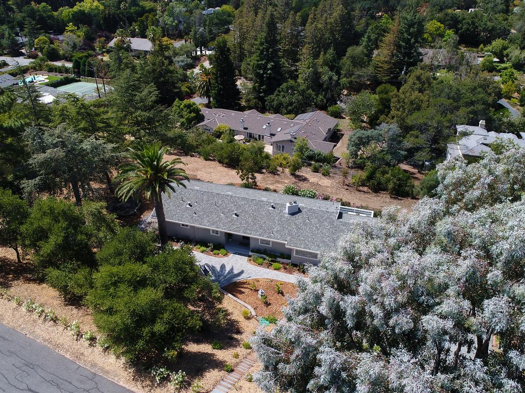 14433 Debell Rd Los Altos Hills Blu Skye Media-0002-XL.jpg