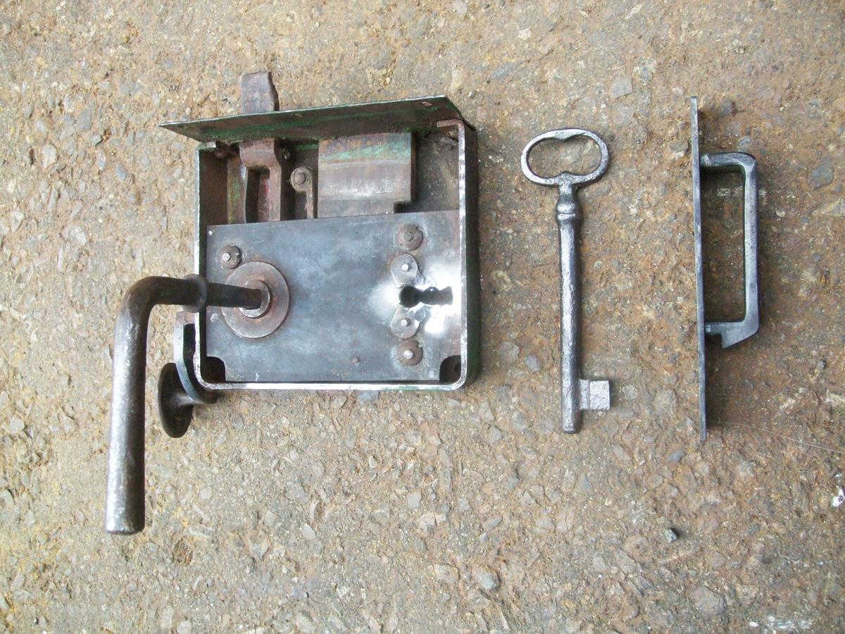 Schneider-Haus-Wash-House-Lock.-1JPG-copy-copy.jpg