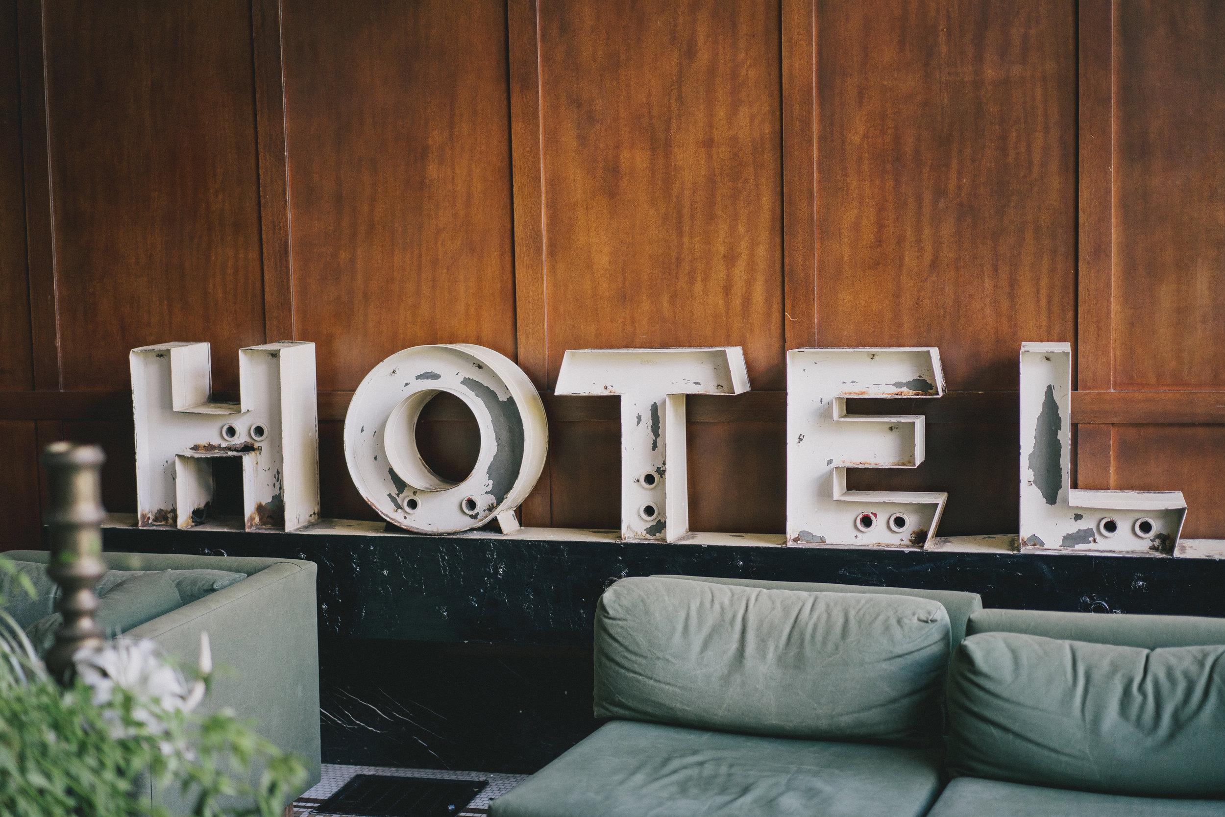 RESERVA UM HOTEL -