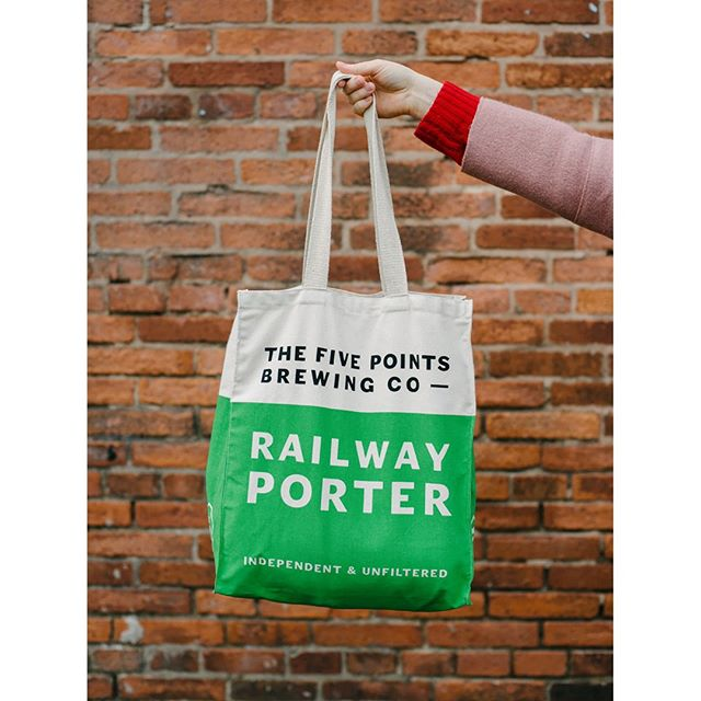 Railway Porter bag - my favourite ⁣ ⁣ ⁣ ⁣ ⁣ ⁣ #design #graphicdesign #branding #beer #beerdesign #type #typography #fivepoints #thefivepointsbrewingcompany #porter
