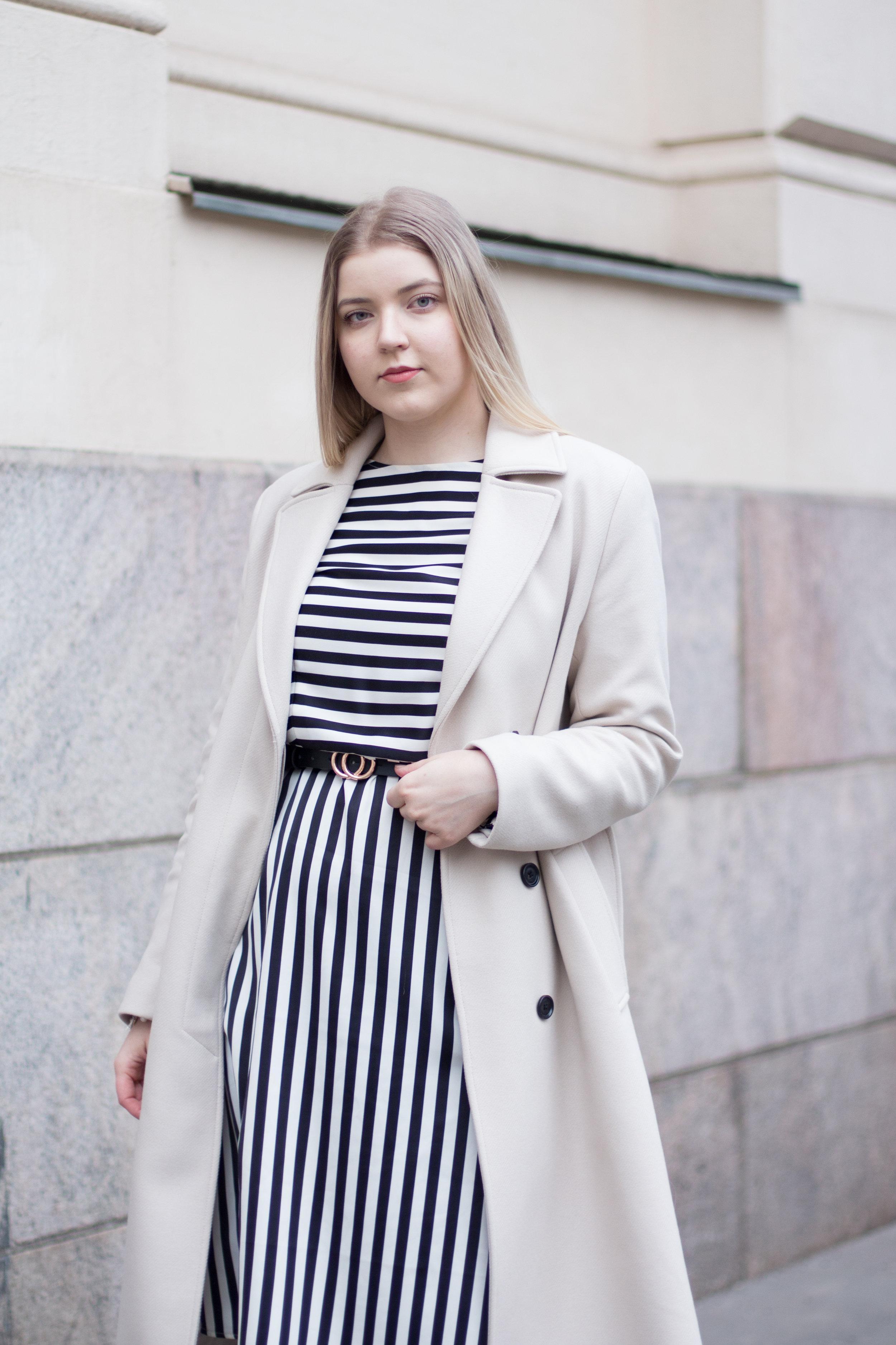 black and white dress (12 of 13).jpg