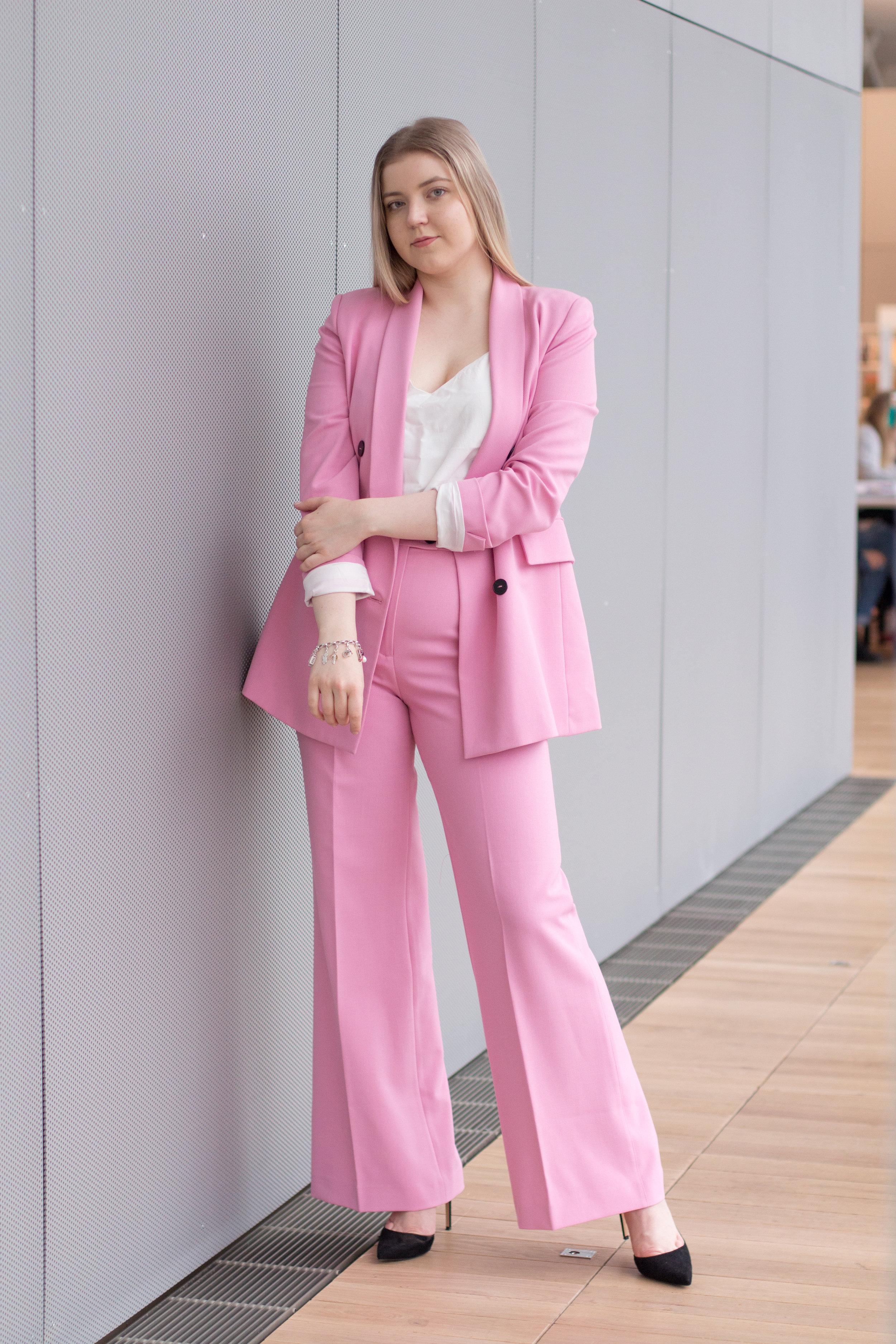 Barbie suit (1 of 18).jpg